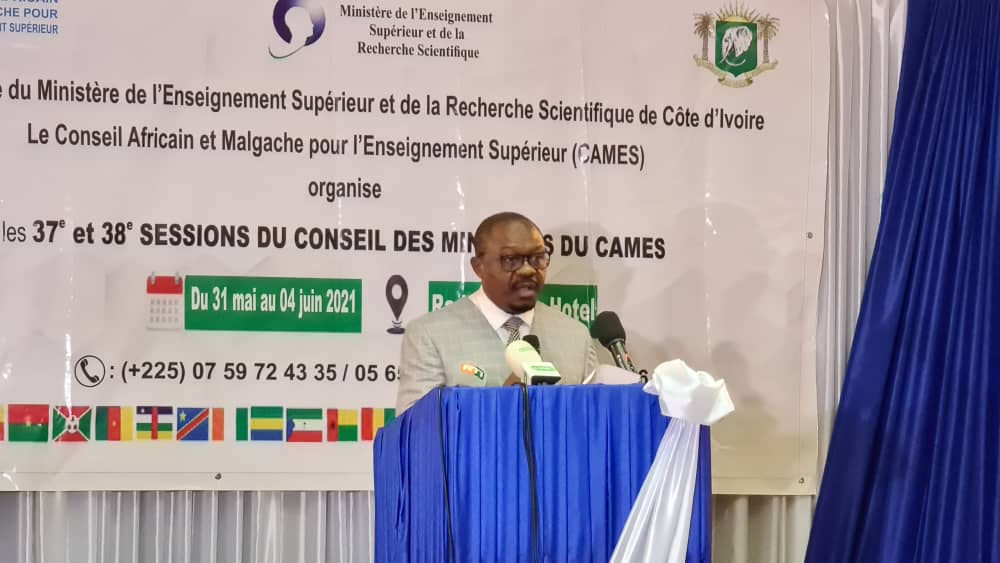 Photo SG Cames Abidjan Conseil des ministres du Cames : Réflexion sur les défis qui interpellent l'Enseignement supérieur